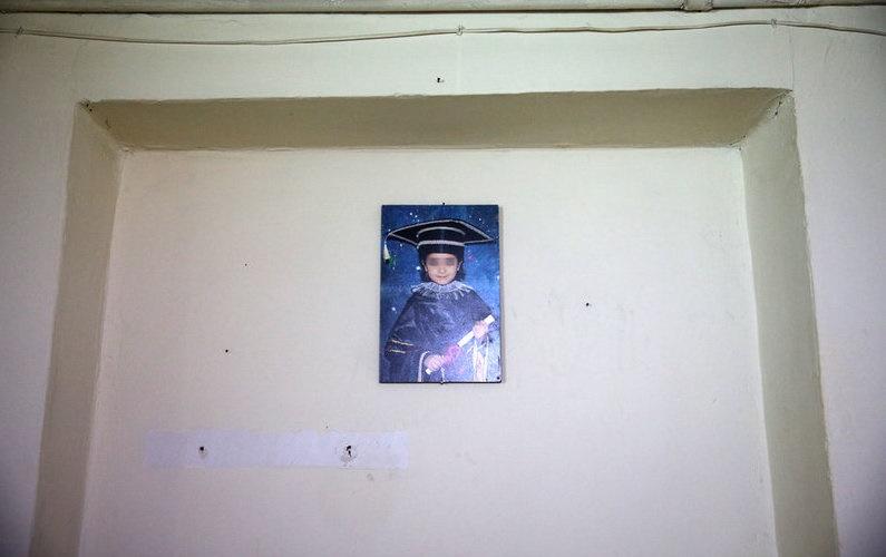 عکس هانیه بر دیوار، فک هانیه توسط پدرش شکسته شده