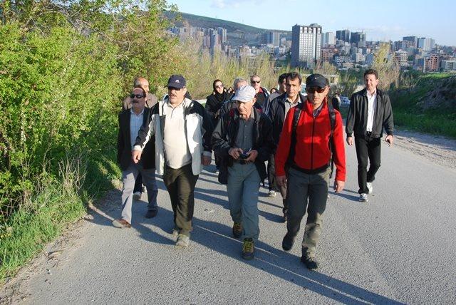به مناسبت هفته سلامت صورت گرفت: پیاده روی غلبه بر دیابت با طعم احترام به طبیعت