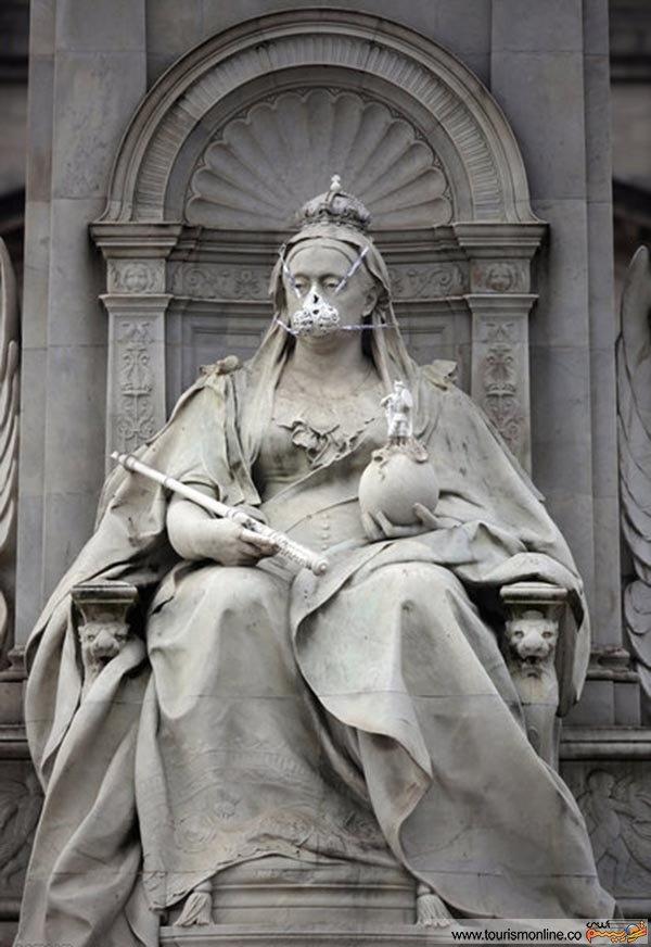ماسک مخصوص برای مجسمه ملکه ویکتوریا به مناسبت روز جهانی زمین /عکس