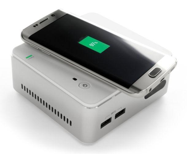 تصاویری از مینی رایانه جدیدی که گوشی هوشمند را بهصورت بیسیم شارژ میکند