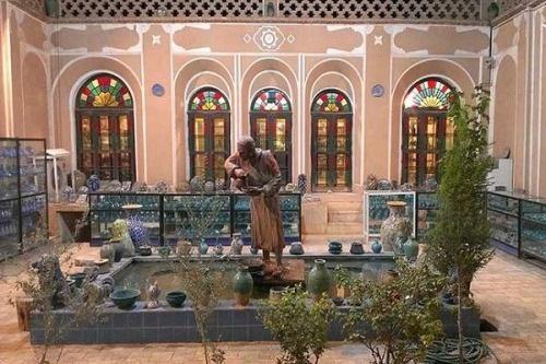 تهیه کننده «دورهمی» : دکور کار اقتباسی از بنای اصیل ایرانی است