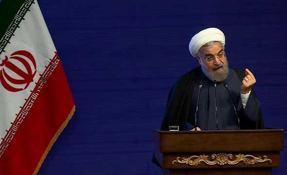 انتقاد روحانی به طرح مسکن مهر: مسکن در شهر با مسکن در بیابان فرق دارد/راه حل دولت قبل خطرناک بود