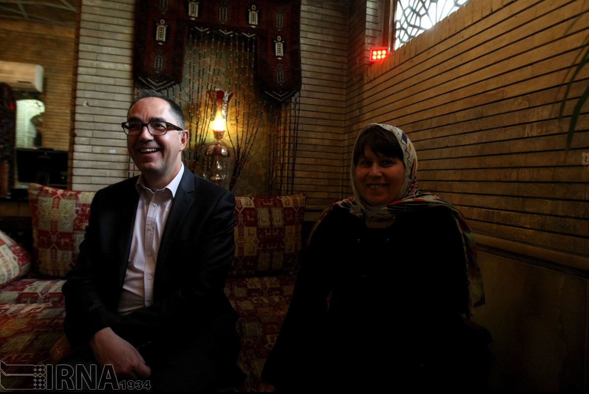 عکسهای یادگاری رییس موزه لوور در کاخ گلستان/ ایران بخواهد، آثار تاریخیاش را به تهران میآوریم