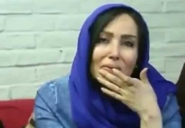 تماس هنرمند زن استقلالی با منصوریان که پس از دربی گریه کرده بود