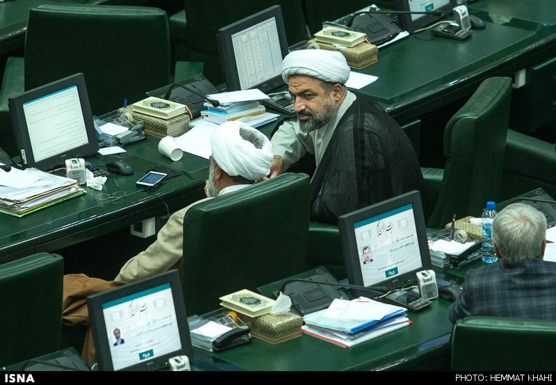 تصاویری از حال و هوای نمایندگان حذف شده از مجلس