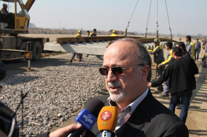 ریل گذاری 58 کیلومتری راه آهن رشت قزوین