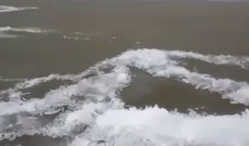 تبدیل امواج دریاچه به یخ در چند ثانیه