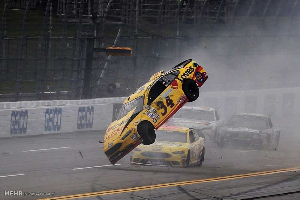حادثه در مسابقه اتومبیل رانی