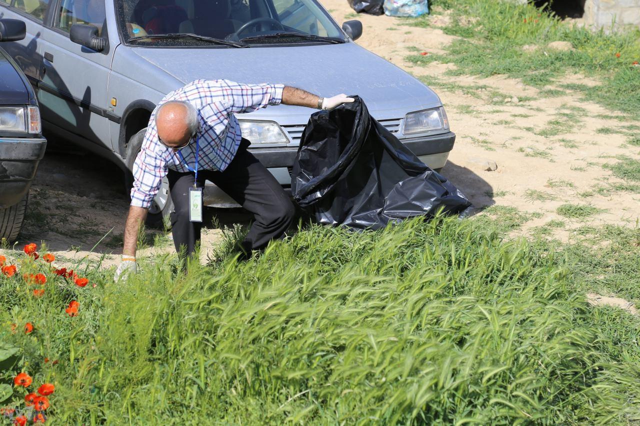 به همت دوستداران طبیعت، جاده سلامت و گردشگری سیرداغی ارومیه از زباله پاکسازی شد
