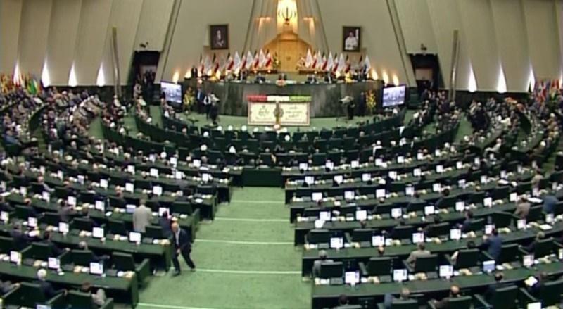 اعضای هیات رئیسه سنی در 10 مجلس شورای اسلامی/چهار رئیس سنی تا کنون درگذشتهاند