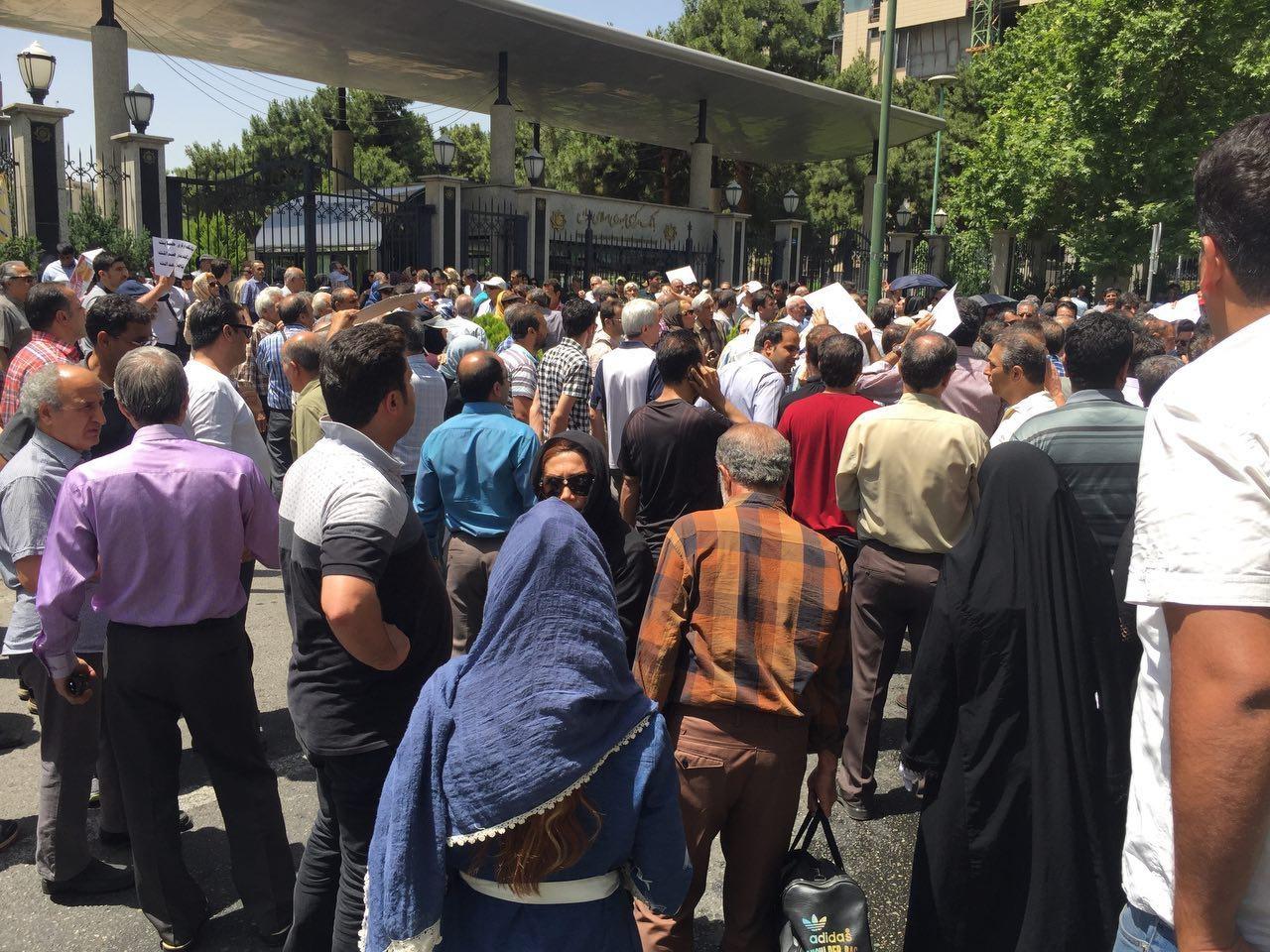 چه کسی به سپردهگذاران ثامنالحجج آدرس اشتباه می دهد؟ / امضاکنندگان تقدیرنامهها باید پاسخگو باشند