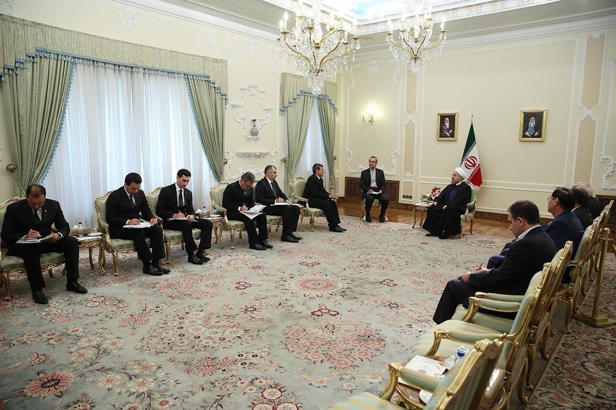 روحانی در دیدار با وزیر خارجه ترکمنستان: توسعه و تحکیم روابط تهران – عشق آباد ضروری است