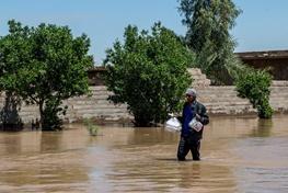 10 استان ایران تحت تاثیر سیل/امدادرسانی به 851 سیلزده