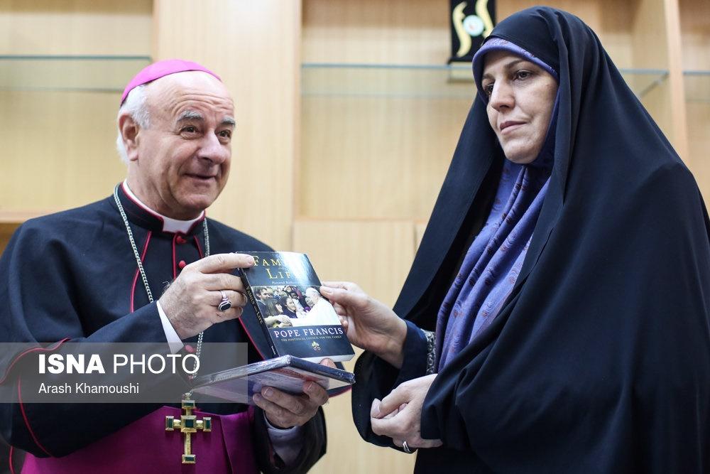 دیدار مولاوردی با اسقف وینچنزو پالیا