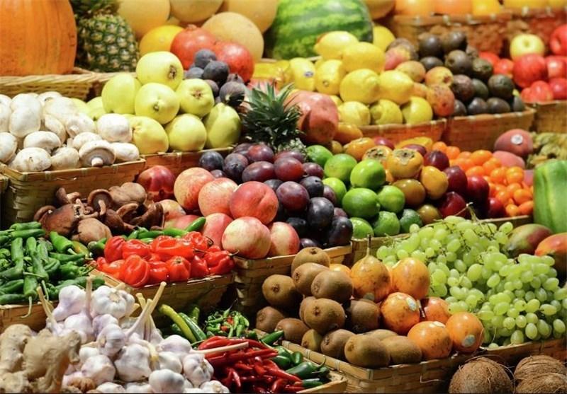 میوه های رنگین باغی همدان در بازار مصرف