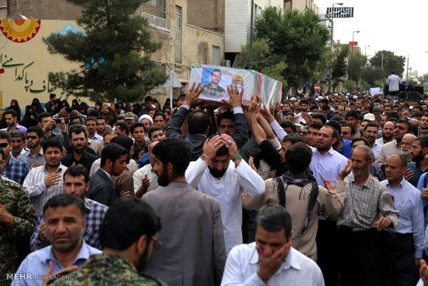 پیکر مطهر شهید مدافع حرم در ملایر تشییع وبه خاک سپرده شد