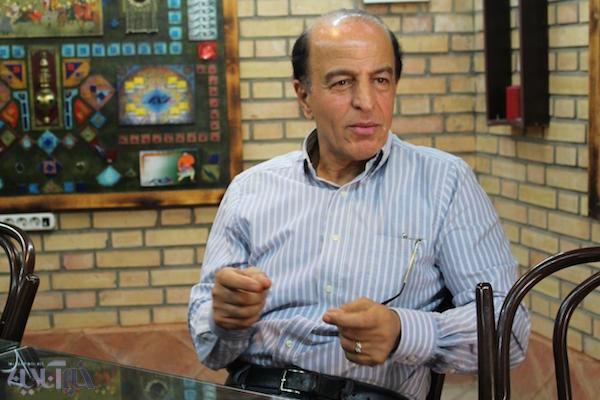 حسین دهشیار در کافه خبر پاسخ داد: آیا طرفداران سندرز به هیلاری رای خواهند داد؟
