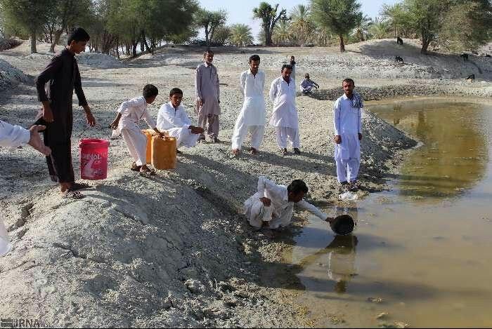 هشدار برای نزاع بر سر آب در سیستان و بلوچستان/ ۴هزار روستا آب ندارند/ شاید بحران امنیتی شود