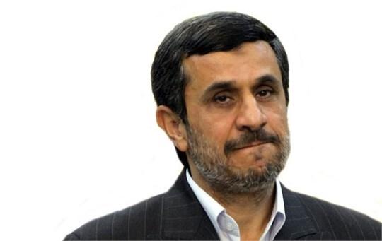 از ادعا تا واقعیت مواضع احمدینژاد/ ادعای دفاع از بیت المال کجا و اختلاس و برداشتهای بدون مجوز کجا