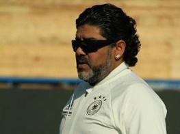مارادونا: فیفا را باید با خاک یکسان کرد!