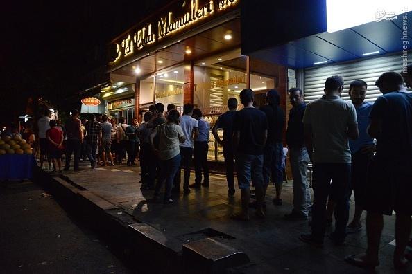 هجوم مردم ترکیه برای خرید نان