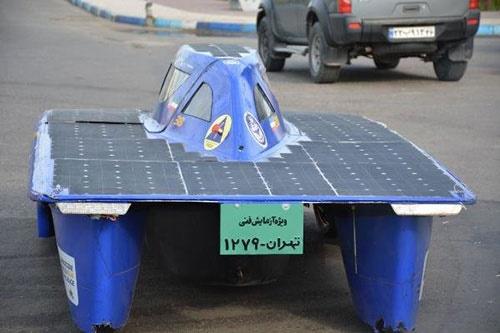 تست جاده غزال ۳؛خودروی خورشیدی ساخت دانشجویان دانشگاه تهران/حرکت با سرعت ۱۳۰ کیلومتر بر ساعت