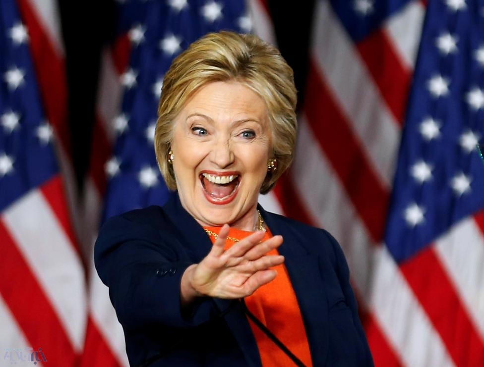 هیلاری کلینتون رسماً رقیب ترامپ شد