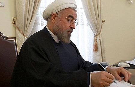 پیام روحانی به اولاند: امیدوارم پس از توافق برجام شاهد توسعه روابط فرانسه و ایران باشیم