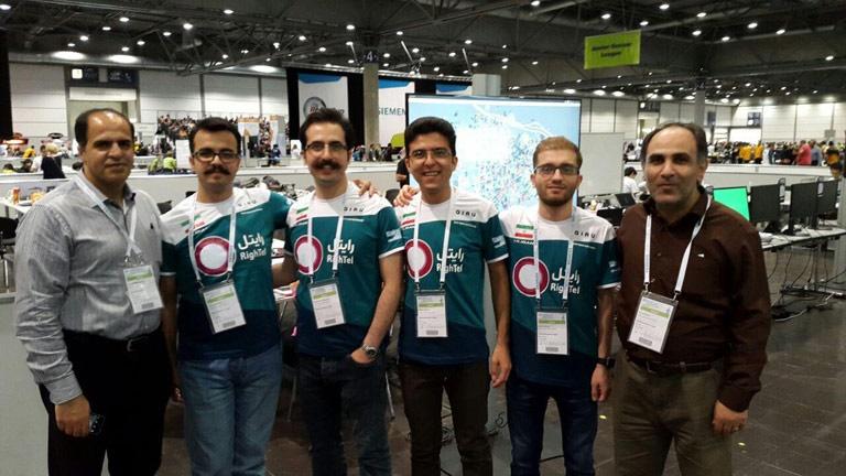 قهرمانی تیم رباتیک دانشگاه آزاد قزوین درلیگ سایز کوچک ربوکاپ2016 آلمان