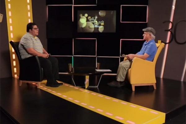 ویدئو | خبری که اشک فرهاد اصلانی را هنگام ضبط برنامه  درآورد
