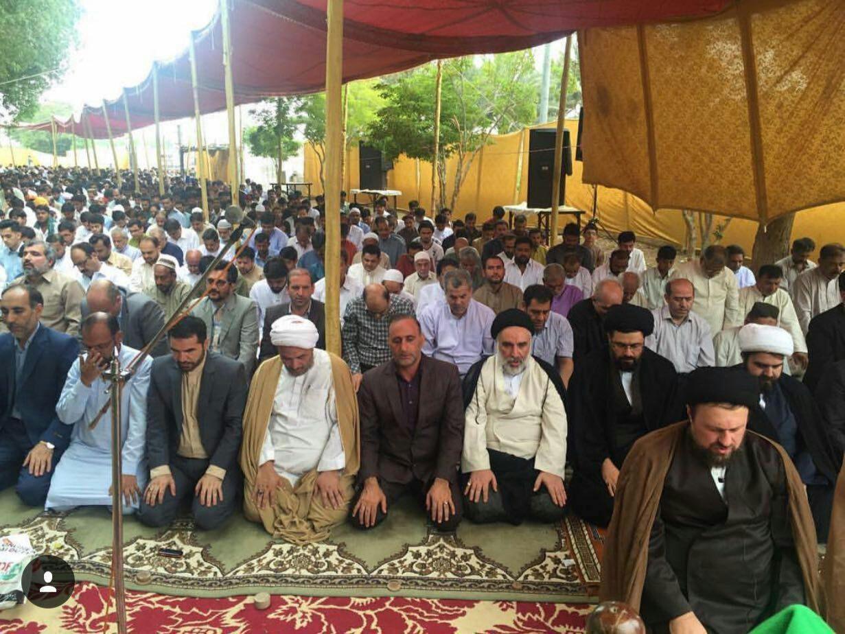 عکس | نماز عید فطر به امامت سید حسن خمینی در کراچی