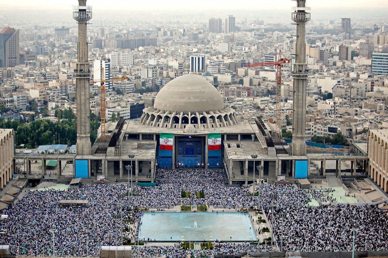 تصویری زیبا از مراسم اقامه نماز عید سعید فطر در مصلی