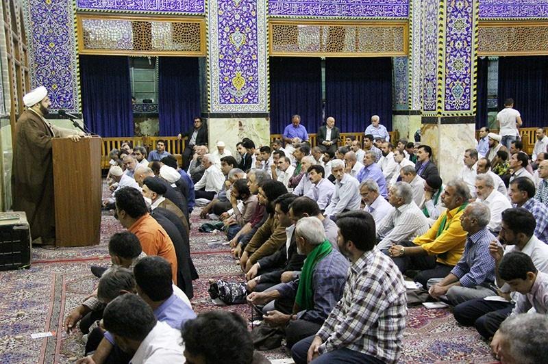 صدوقی در خطبه های عیدفطر: با سخنان رهبری، سفارشی برخورد میشود/ آب مسئله ای نگران کننده برای مردم یزد