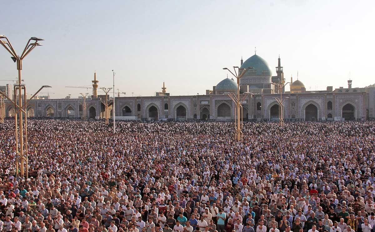 تصاویر اقامه نماز عید سعید فطر در شهرهای مختلف کشور