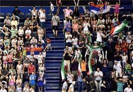 حضور بانوان در ورزشگاه آزادی بدون بلیط فروشی!