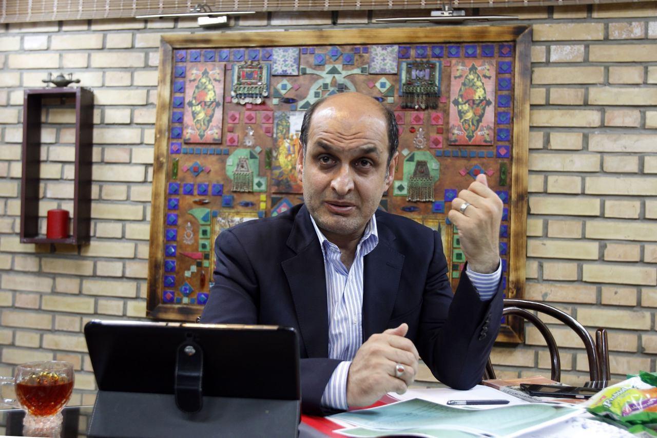 حقشناس: اقتصاد ایران در سال 91 موتور سوزاند