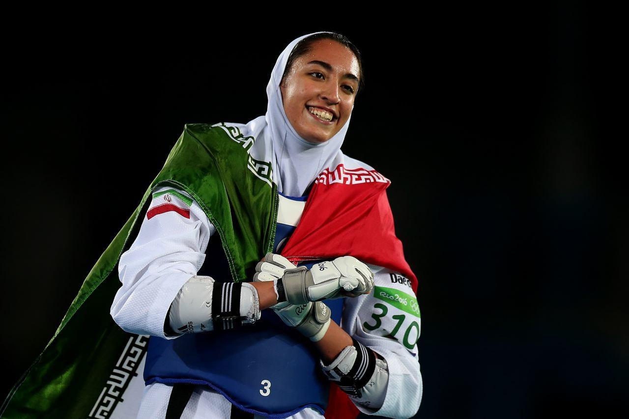 نظر شما درباره این عکس چیست؟/کیمیا علیزاده؛ نخستین بانوی مدالآور ایران در المپیک