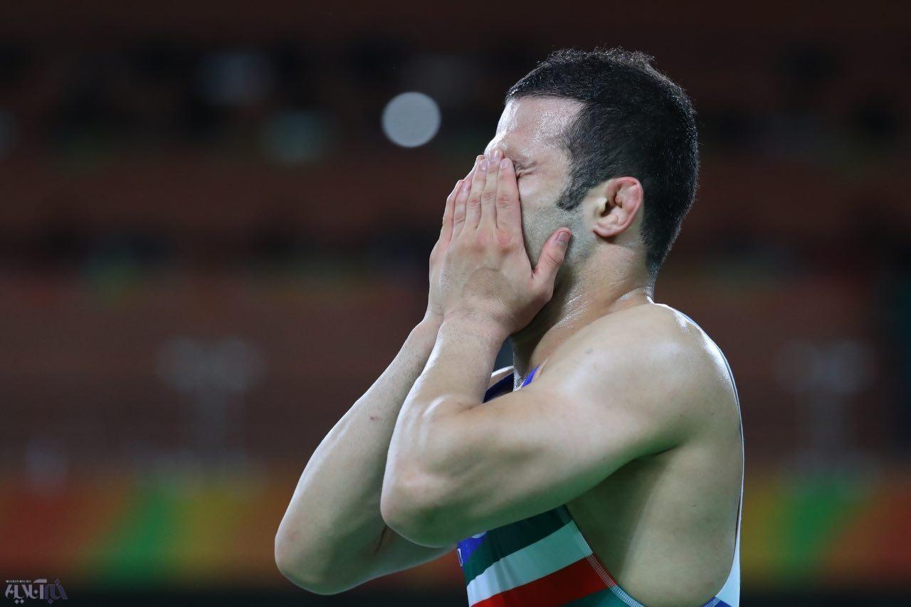 تصاویر   اشکهای حسن رحیمی بعد از کسب مدال برنز المپیک
