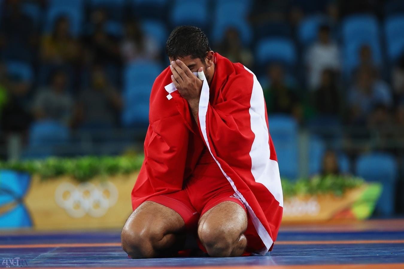 تصاویر | لحظه به لحظه با کمیل قاسمی در فینال المپیک| مدال نقرهای شد