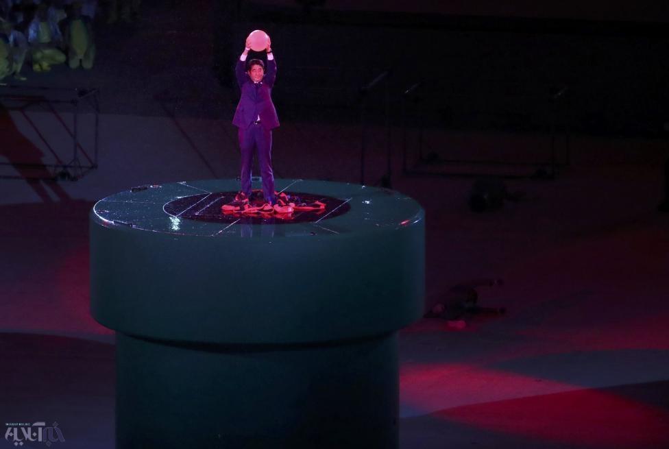 تصاویر | نخستوزیر ژاپن را در مراسم اختتامیه المپیک ببینید