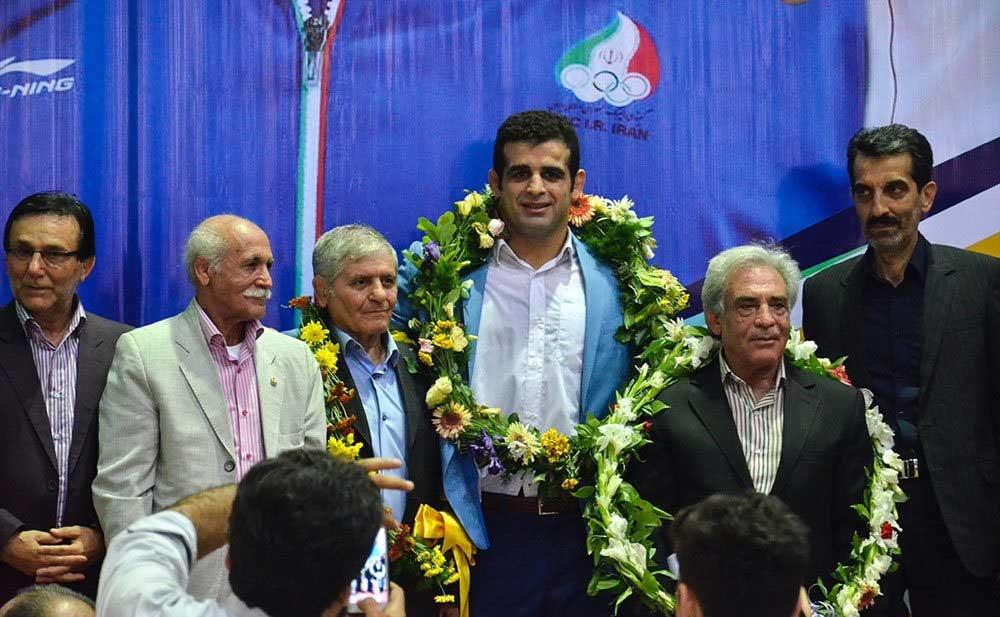 تصاویر   استقبال مردمی از قاسم رضایی دارنده مدال برنز مسابقات المپیک