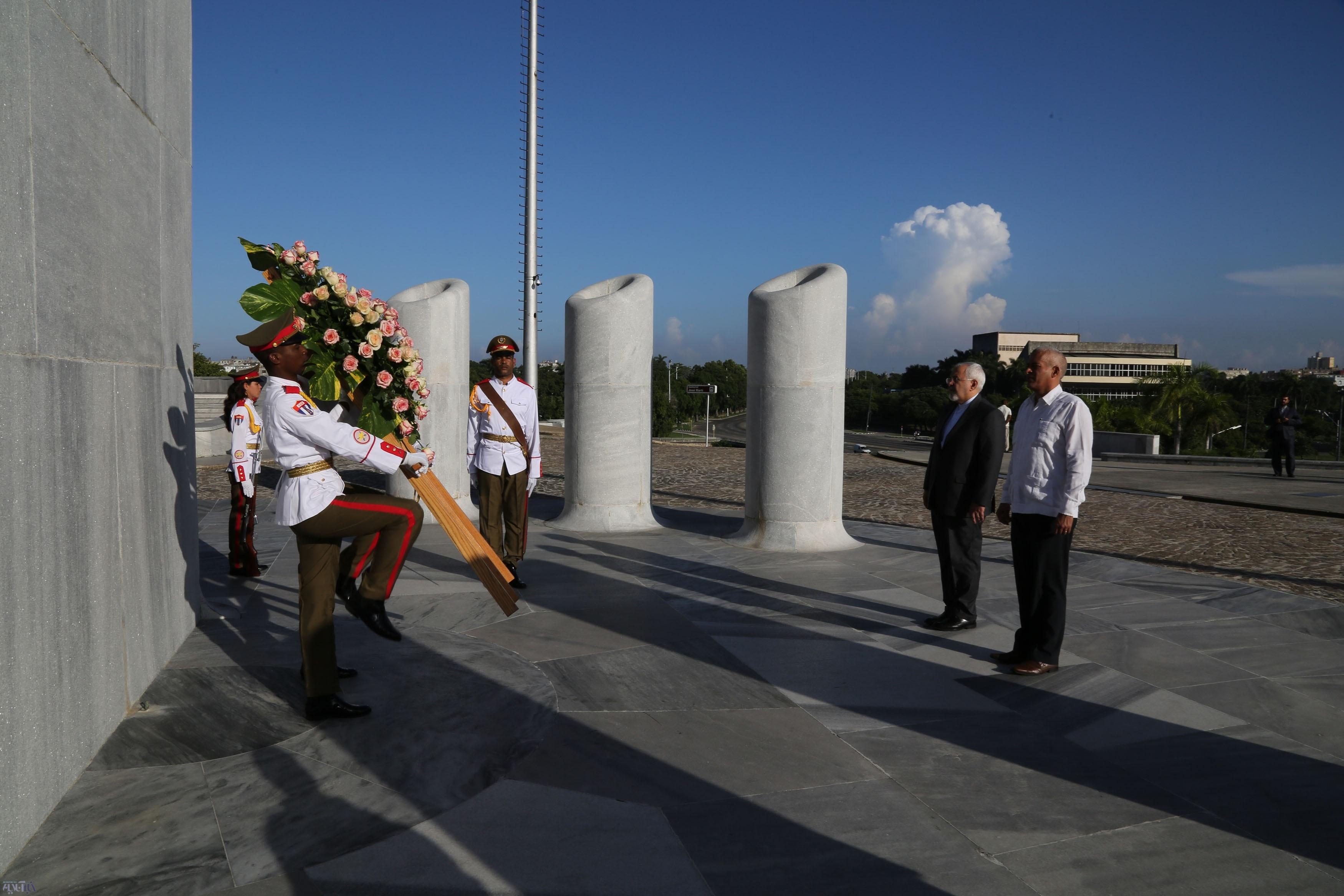 تصاویر | دیدارهای مختلف ظریف در سفر به کوبا