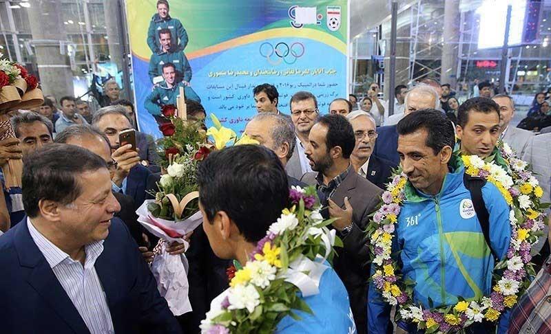 تصاویر | بازگشت داوران ایرانی فینال مسابقات فوتبال المپیک ریو ۲۰۱۶ به ایران