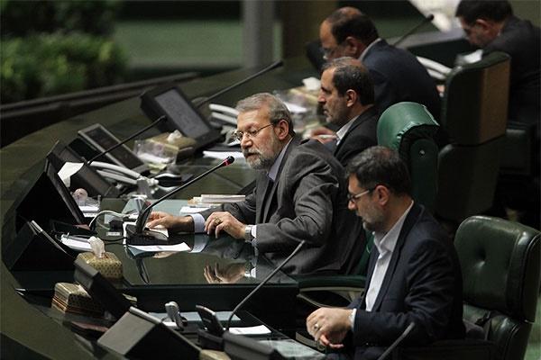 پادکست | قرائت نامه وزیر دفاع در مجلس و تشکر لاریجانی