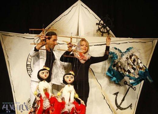 از عروسک غول پیکر هلندیها تا فیش حقوقی مدیران/ نگاهی به نمایشهای دومین روز جشنواره تئاتر عروسکی