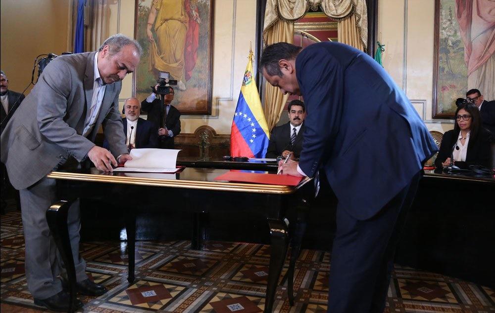 تصاویر | سفر وزیر امور خارجه ایران به ونزوئلا | دیدار ظریف و مادورو