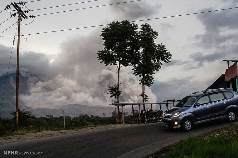 عکس کوه آتشفشان فعال