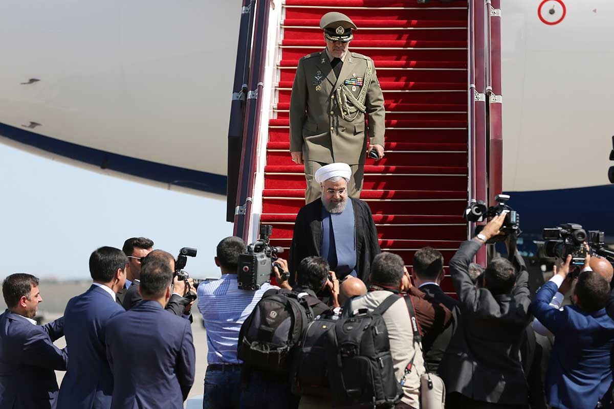 تصاویر   دکتر روحانی وارد باکو شد