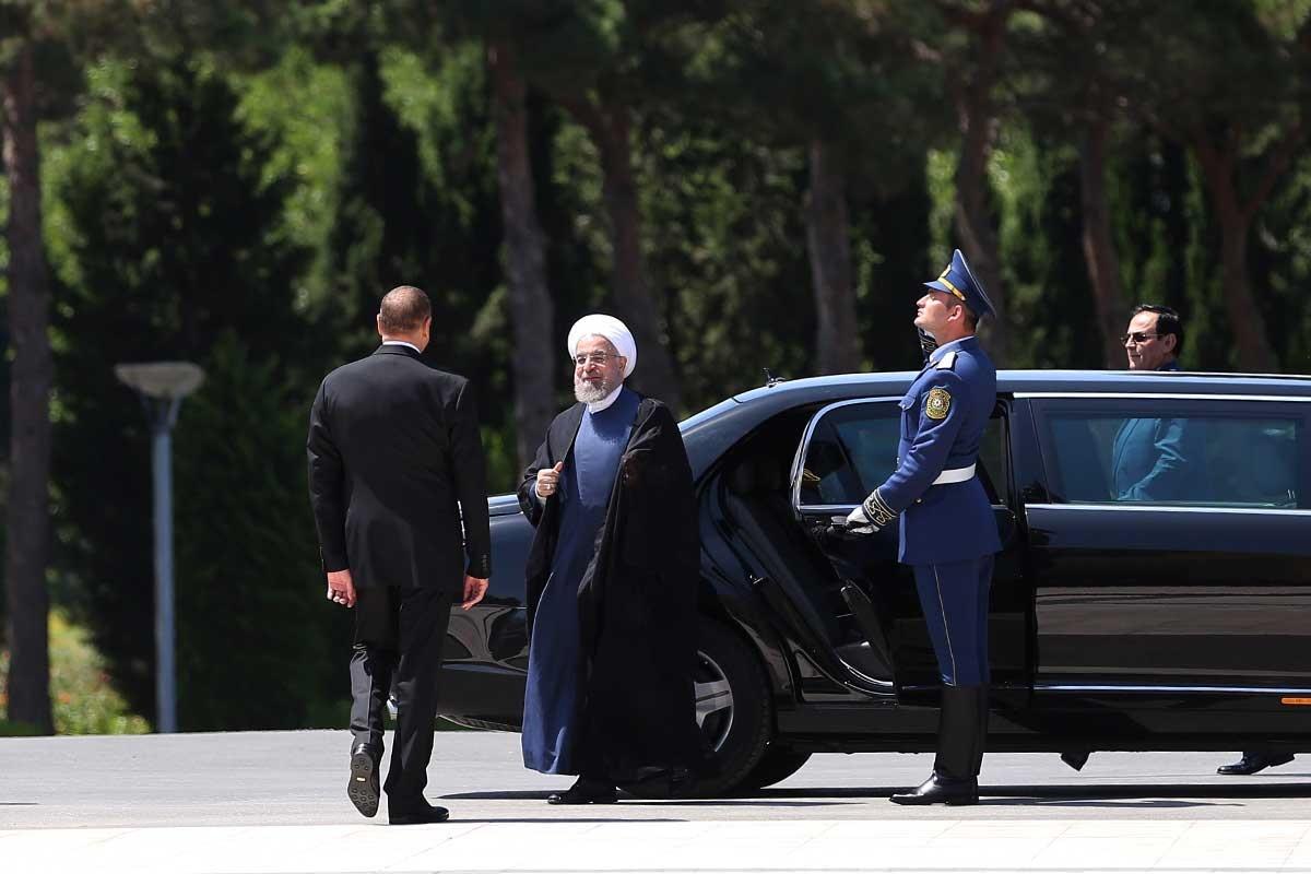 فیلم   روحانی در آذربایجان   از استقبال در زاگولبا تا دیدار با ایرانیان