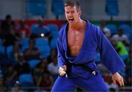 حمله به قهرمان المپیک او را راهی بیمارستان کرد